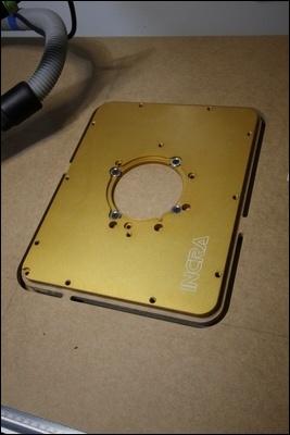 Table custom (avec insert defonceuse) en remplacement de celle de ma kity 419  1-0014743-1