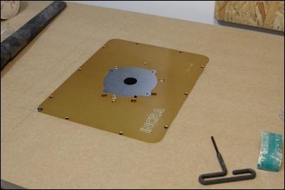 Table custom (avec insert defonceuse) en remplacement de celle de ma kity 419  1-0014790-1